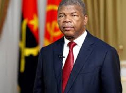 Angola trims redundant cabinet to cut spending
