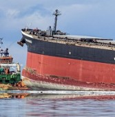 Mauritius spill highlights crisis for ocean economies